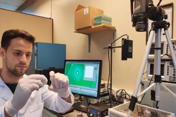 Pesquisadores sintetizam nanopartícula que pode tratar câncer